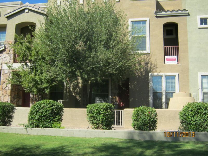 Townhouse for Rent in Strada Townhomes