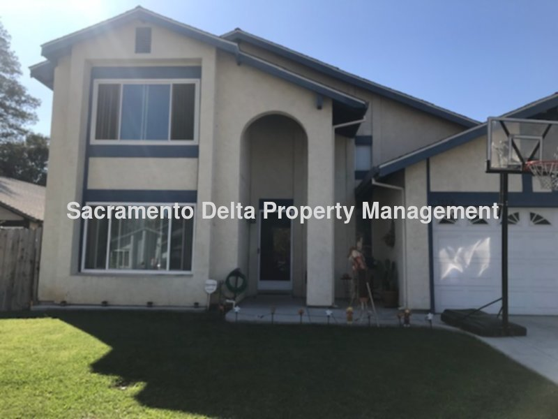 Available Rental Residential Listing 4 Bed 25 Bath In Sacramento CA NowBeautiful 2 Story Home RV Accsess Wont Last Long