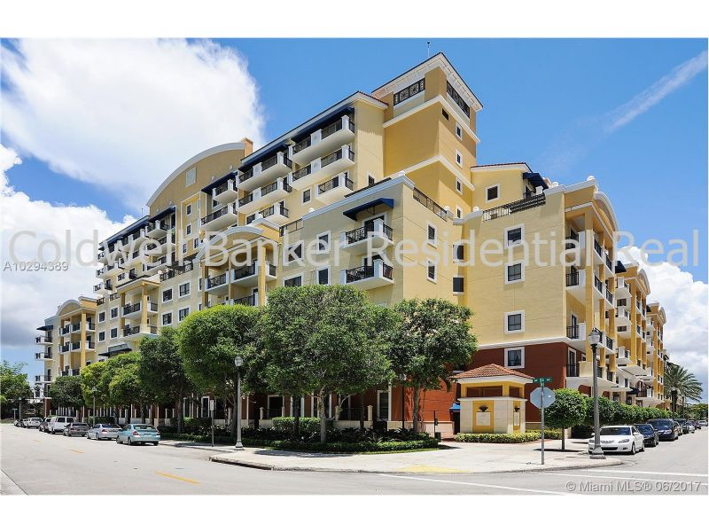 Townhouse for Rent in COLONNADE AT DADELAND SW