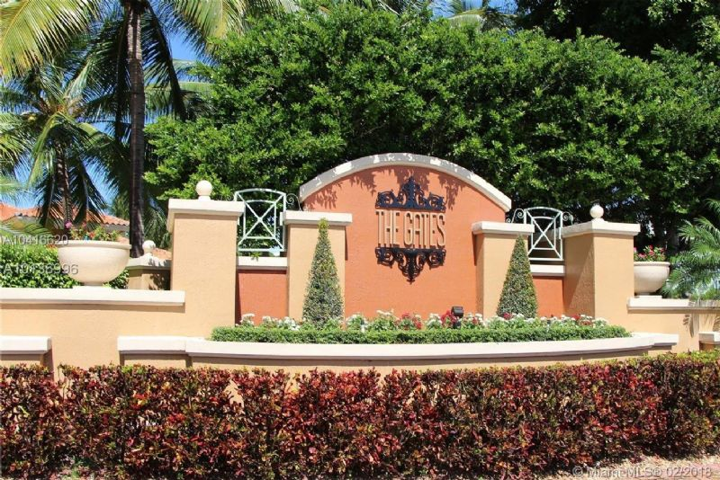 Townhouse for Rent in THE GATES AT DORAL ISLES
