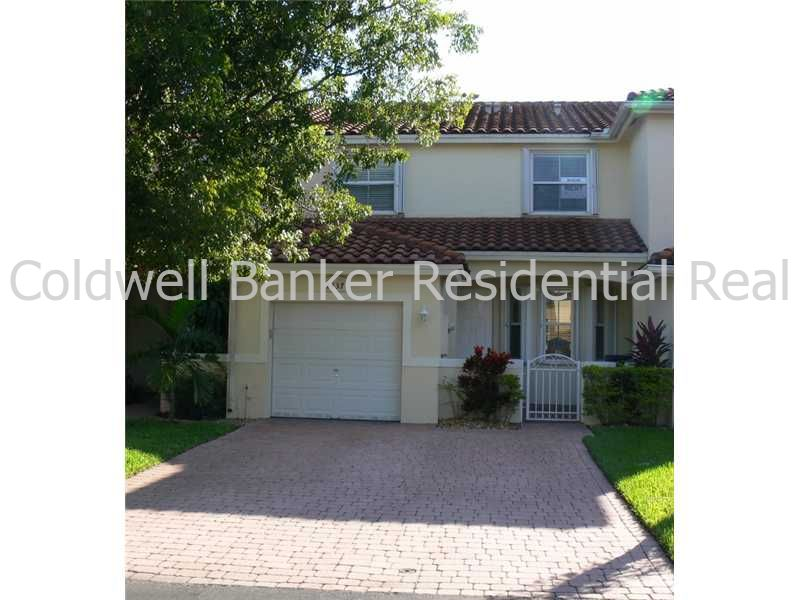 Townhouse for Rent in Doral Chase