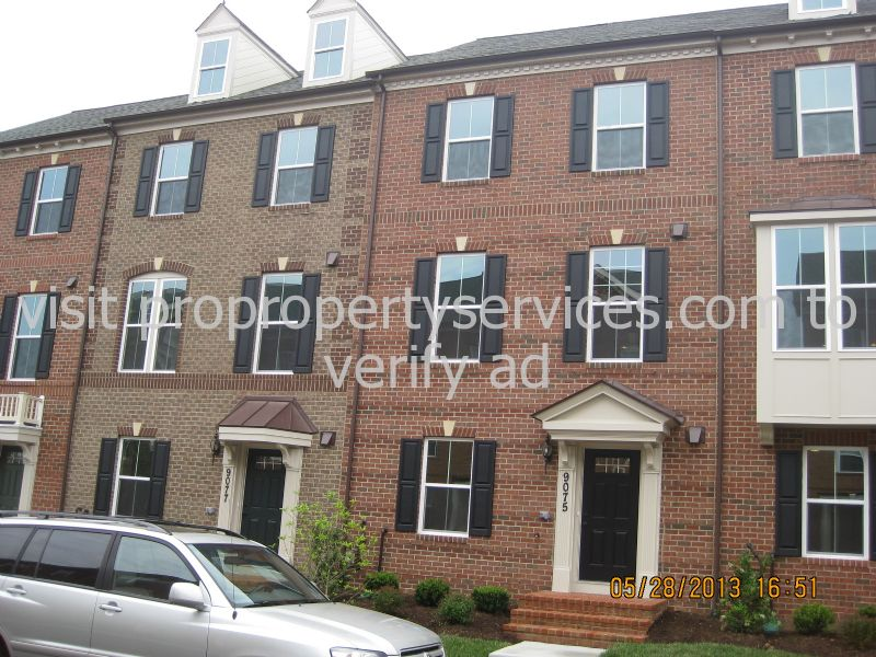 Townhouse for Rent in Villages of Urbana