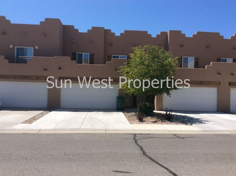 Condo for Rent in Farmington