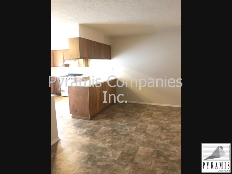 Duplex for Rent in Castle Estates