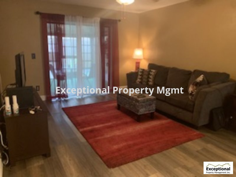 Townhouse for Rent in COMPASS POINT CONDO