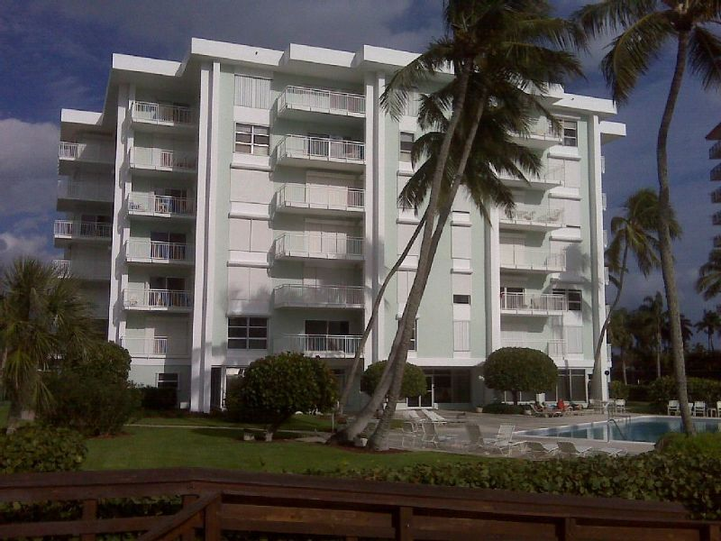 Enjoy Your Vacation With This Completely Remodeled One Bedroom Condo On Marco Island S Beach Fl163456s