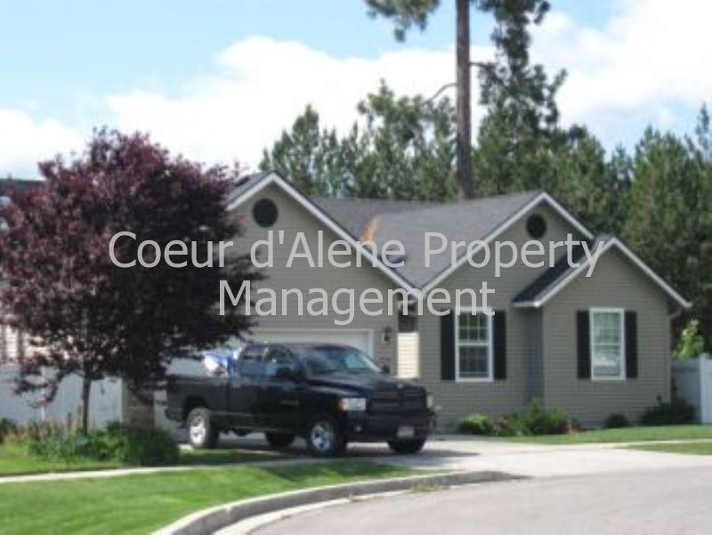 House for Rent in Lake Forest