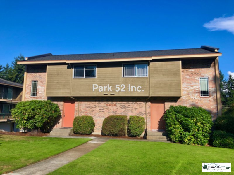 Townhouse for Rent in Fircrest