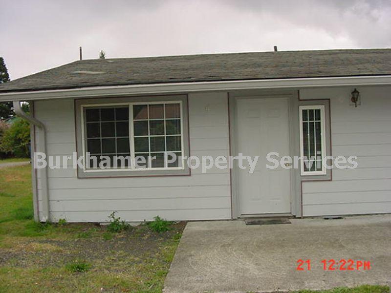 Duplex for Rent in Elma